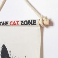 TRIANGLE FLAG - CAT ZONE 2